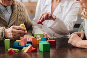 Le jeu pour stimuler les malades Alzheimer
